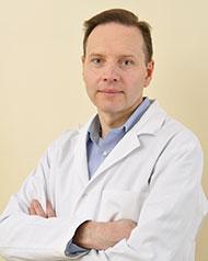 dr n. med. Mariusz Koziak, ortokeratolog, okulista